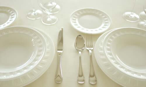 Dinnerware Buying Guide Table Setting
